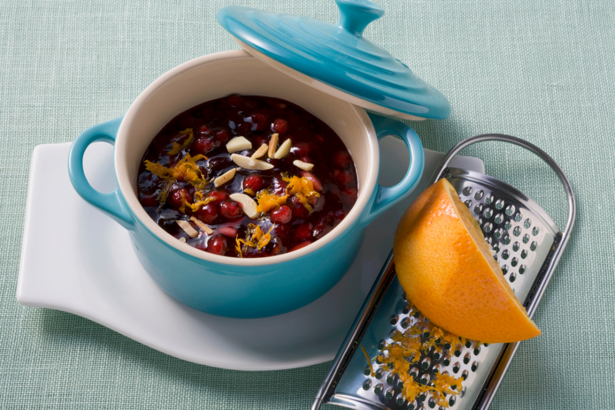 cranberry sauce in blue dish