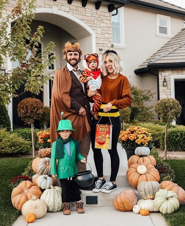 family and group halloween costumes