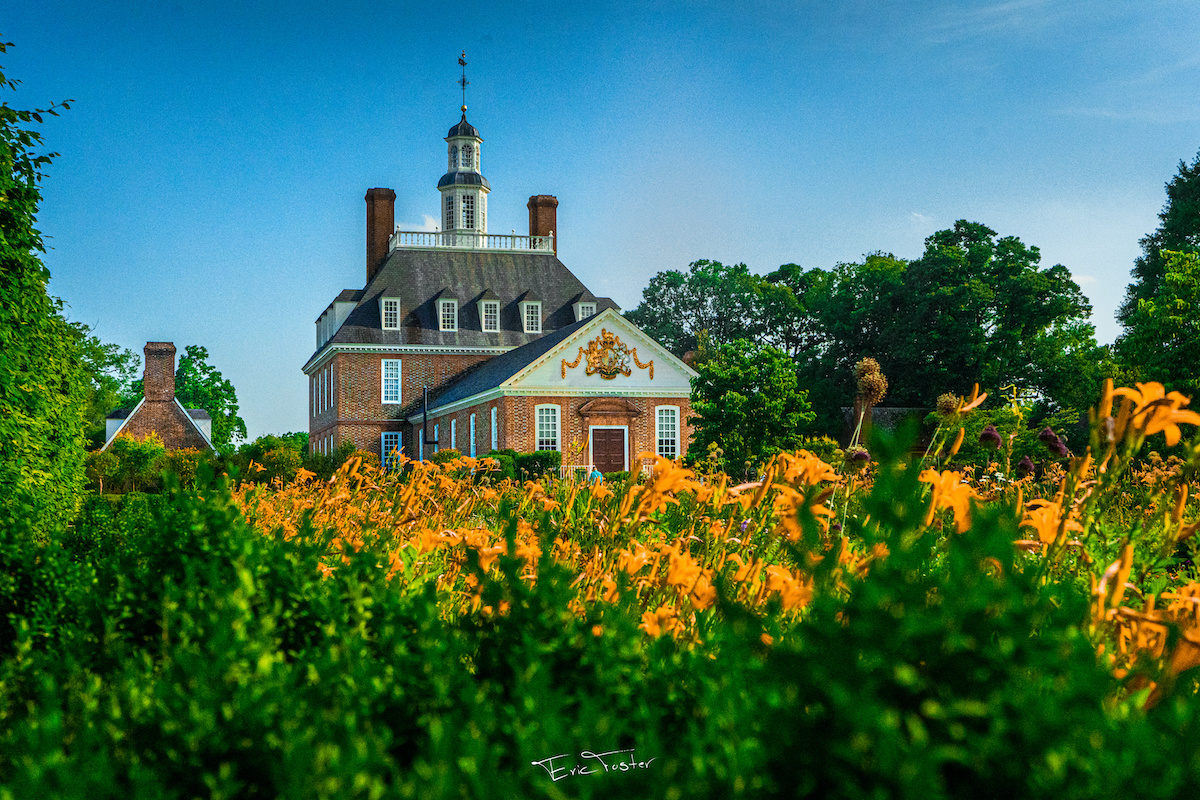 flowers Colonial Williamsburg.governor's mansion