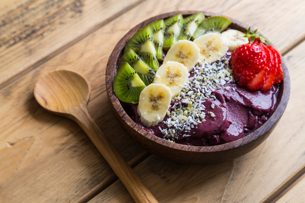 Easy and Healthy Acai Bowl Smoothie