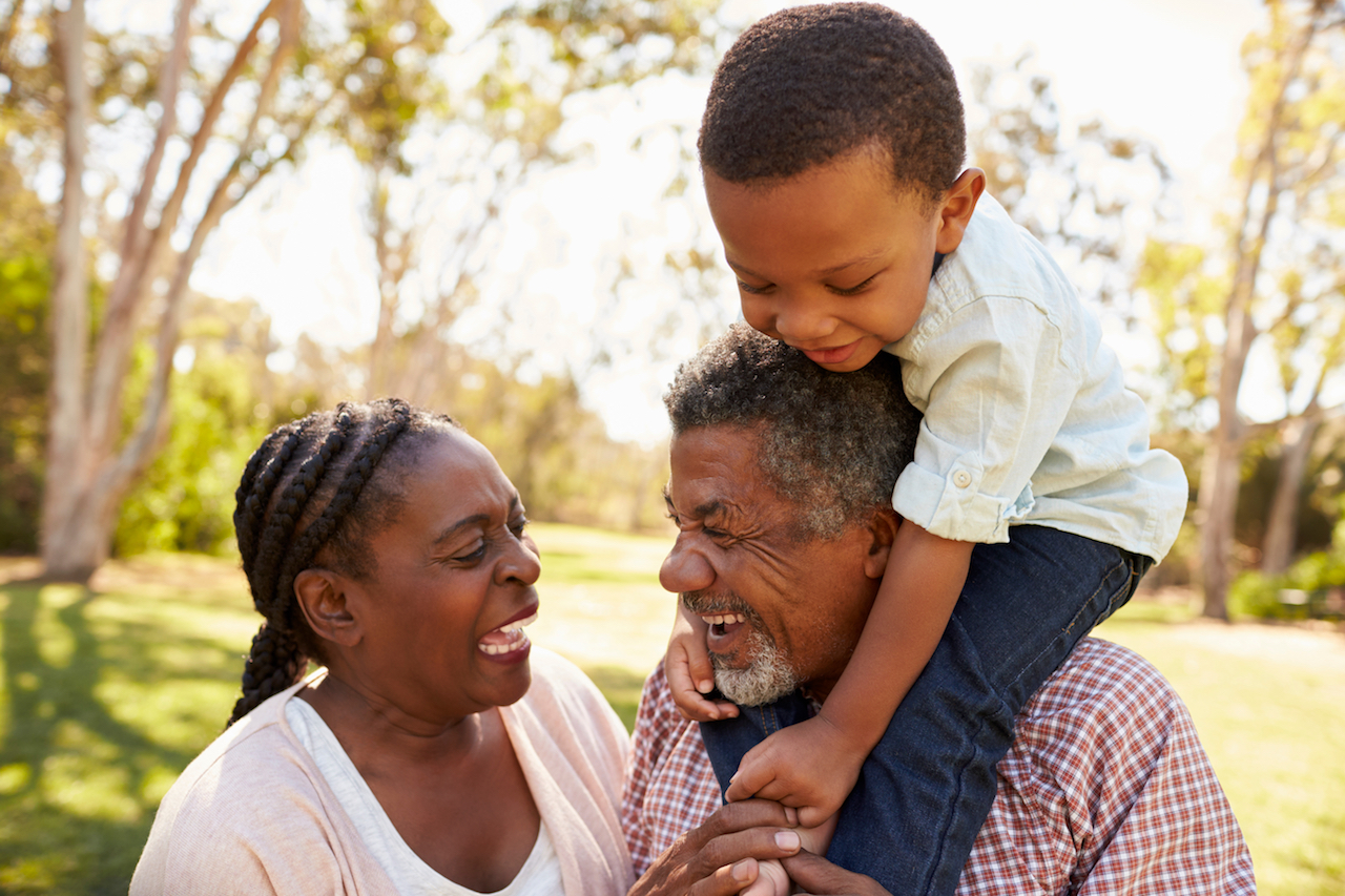 Ideas to Involve Grandparents into family life