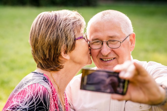 what are the best smartphones for seniors?