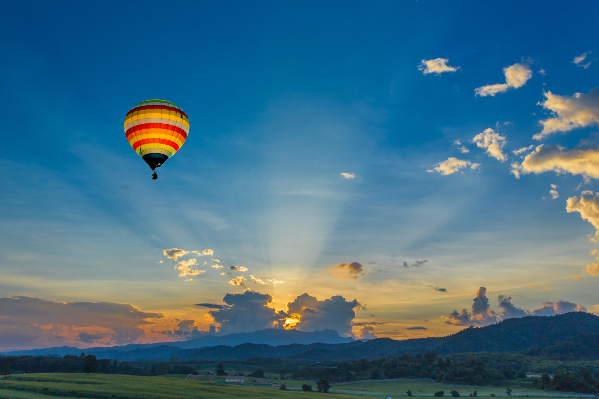 When to drive with a hot air balloon?